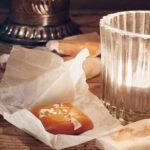 Vamiljkola med smör och flingsalt
