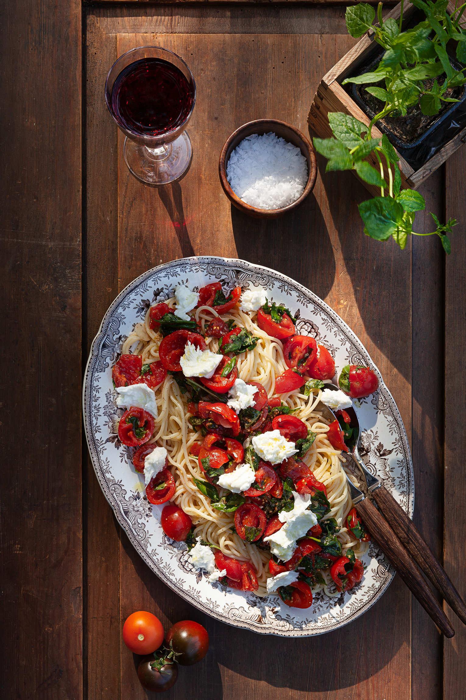 Pasta rå tomatsås