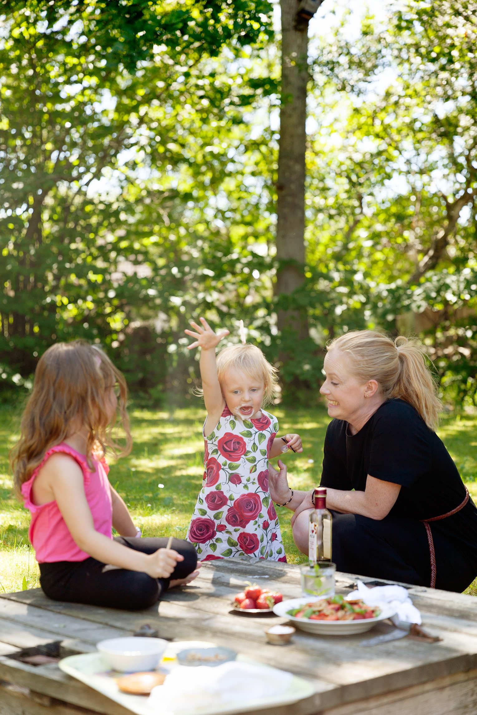 Fota mat i trädgården