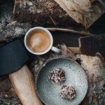 Chokladbollar med kaffe nästan raw