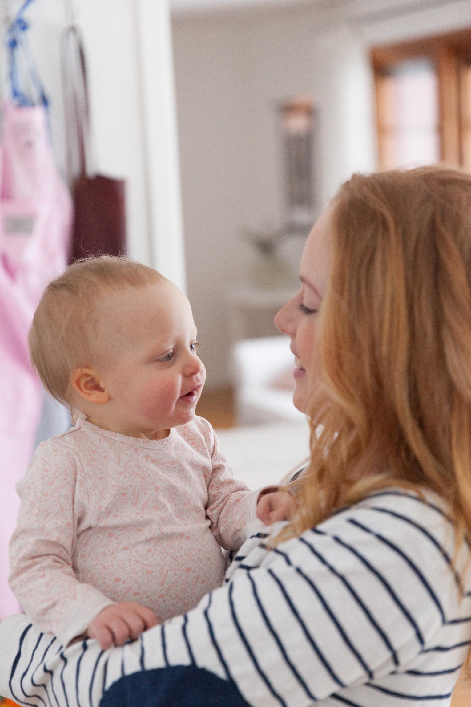 Mamma med bebis mammaledig