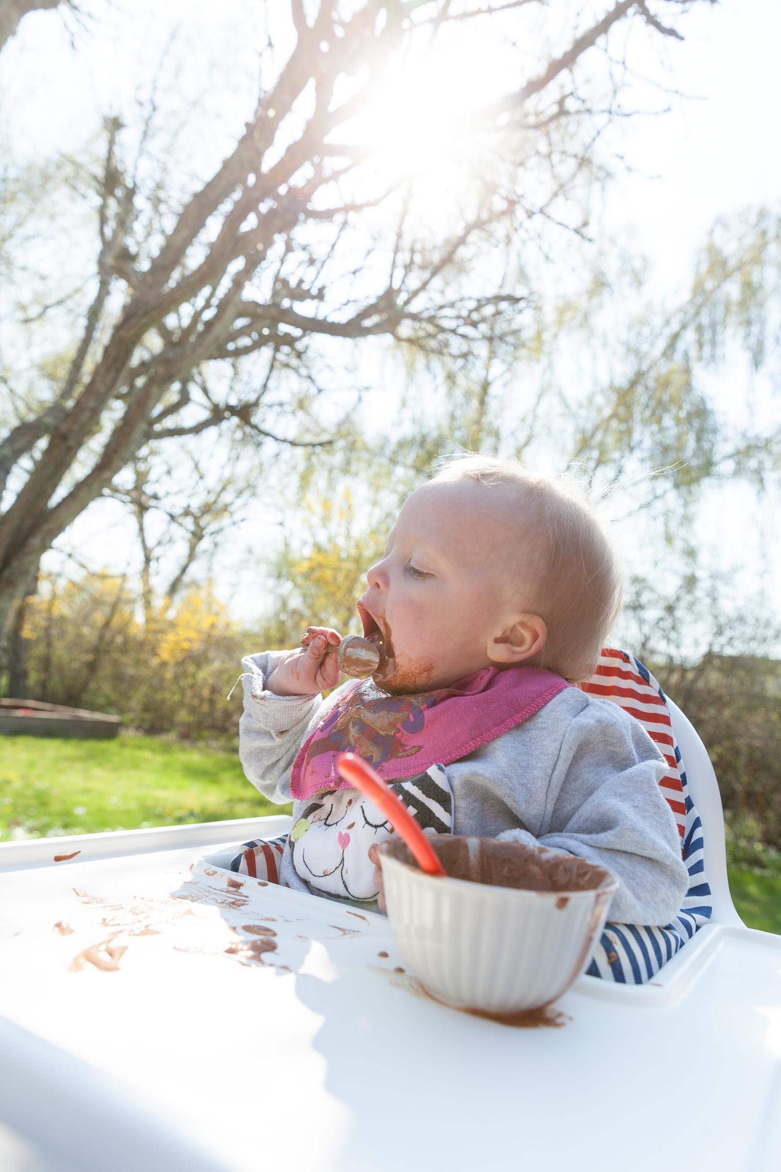 ettåring äter