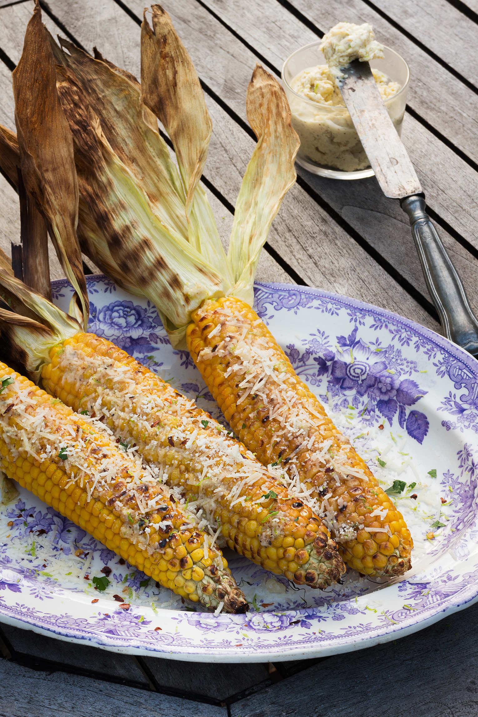 Grillad majs med parmesansmör