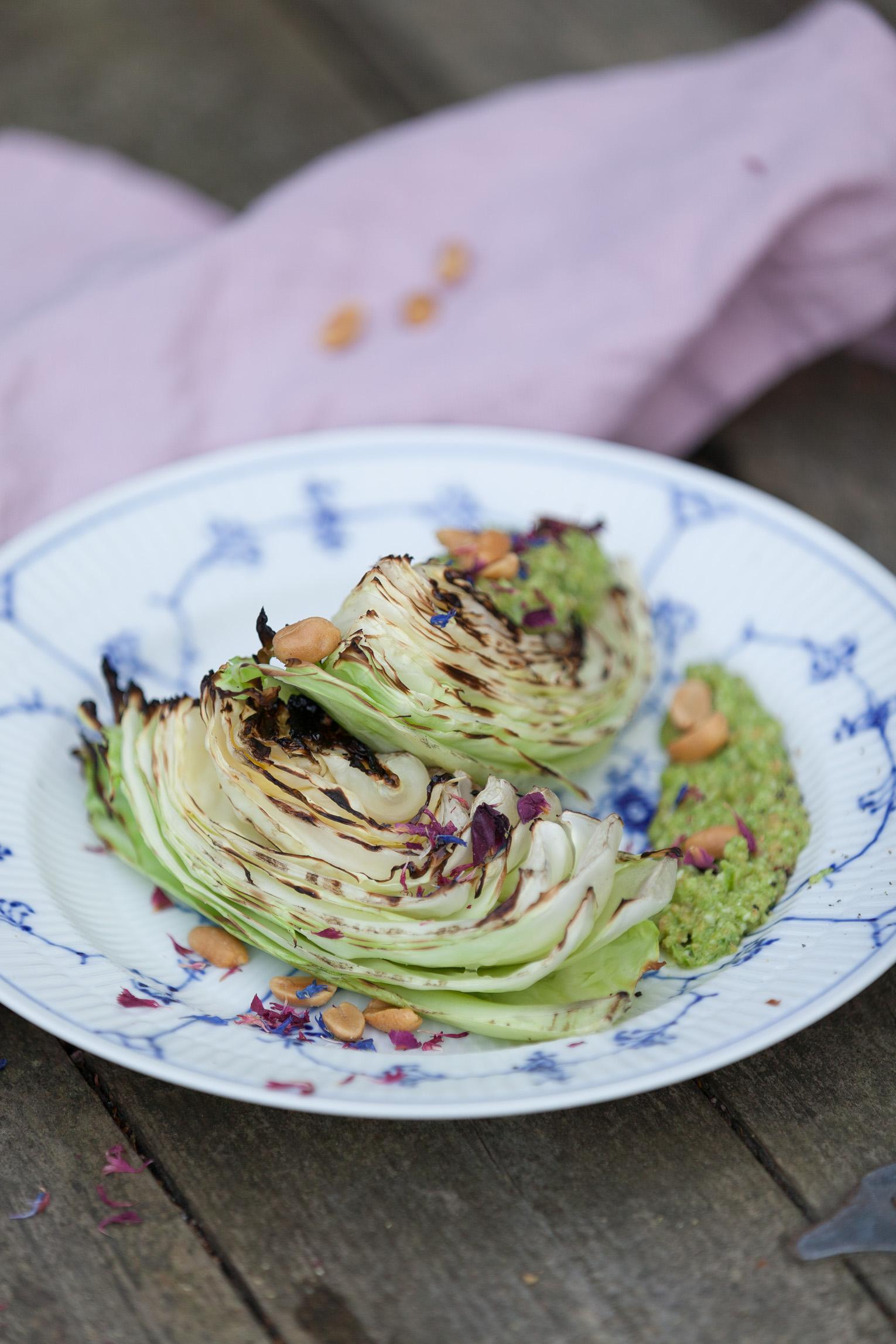 Grillad spetskål med purjolökspesto